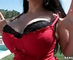 Hot Marta La Croft Owns Awesome Big Shapes 2