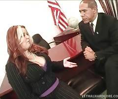 Lovely plumper meets with a president and tells him about Cash For Chunkers project.